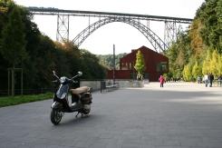 Vespa LX 50 2T_Müngstener Brücke